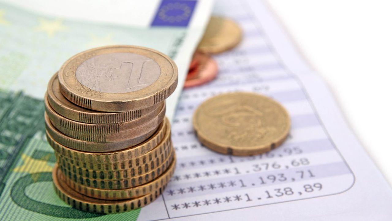 Les intérêts des livrets d'épargne bancaire ainsi que les intérêts des plans d'épargne logement (PEL) et comptes épargne logement ouverts (CEL) depuis le 1er janvier 2018 sont soumis à l'impôt sur le revenu et aux prélèvements sociaux.