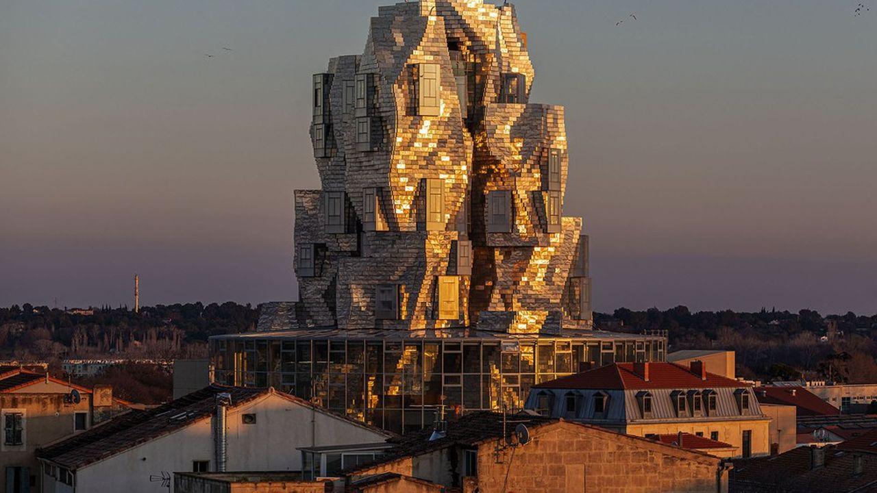 La Tour Luma, à Arles, qui doit enfin être inaugurée le 26juin, fait partie des projets tant attendus et retardés par la crise sanitaire.
