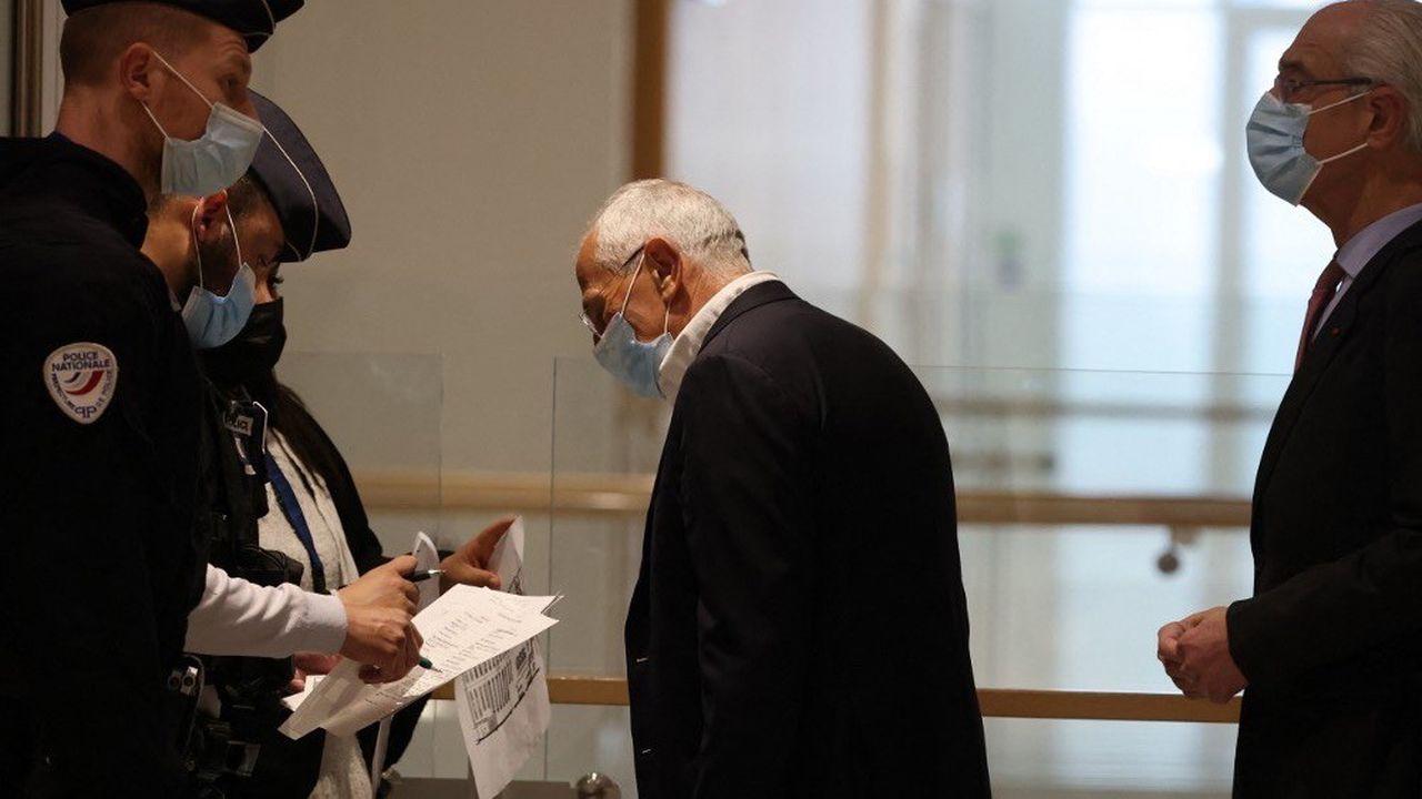 L'ex-numéro2 du groupe Servier, Jean-Philippe Seta a été condamné àquatre ans d'emprisonnement avec sursis et à 90.600euros d'amende.