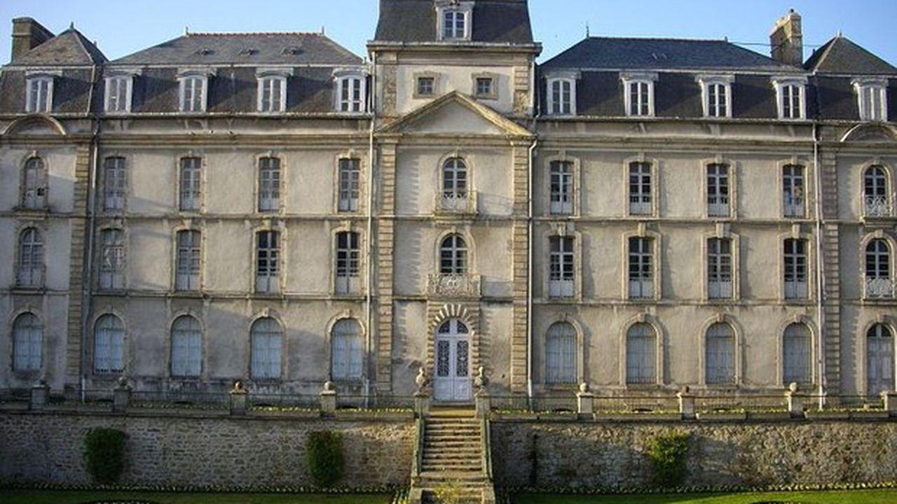 Le château de l'Hermine a été construit fin XVIIIe sur les ruines de la forteresse des Ducs de Bretagne.