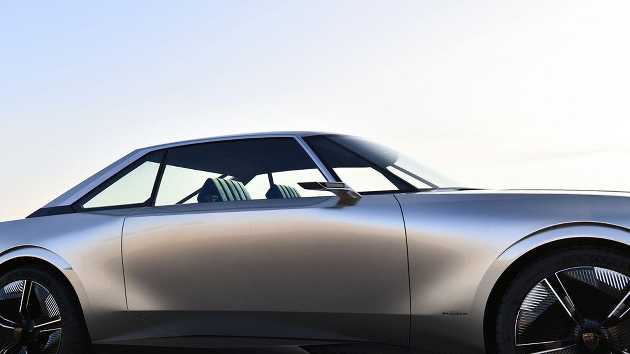 La Peugeot e-Legend, dessinée par Gilles Vidal. Un concept car dévoilé en 2018, hommage au mythique coupé 504.