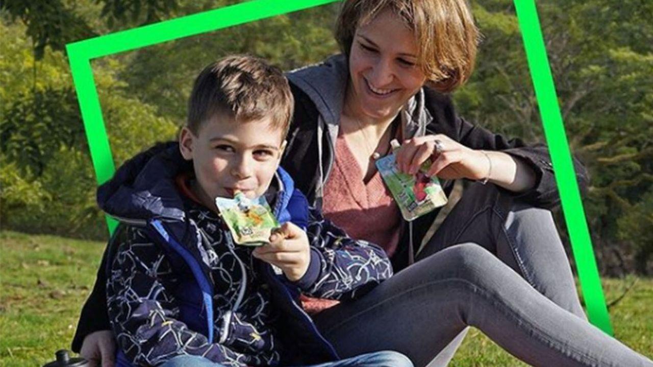 MOM élargit sa production de gourdes. Après les compotes de fruits pour enfants, il vise les adolescents et adultes avec des gammes plus sophistiquées, et s'apprête à lancer des boissons à base de «lait» d'amande aromatisé.