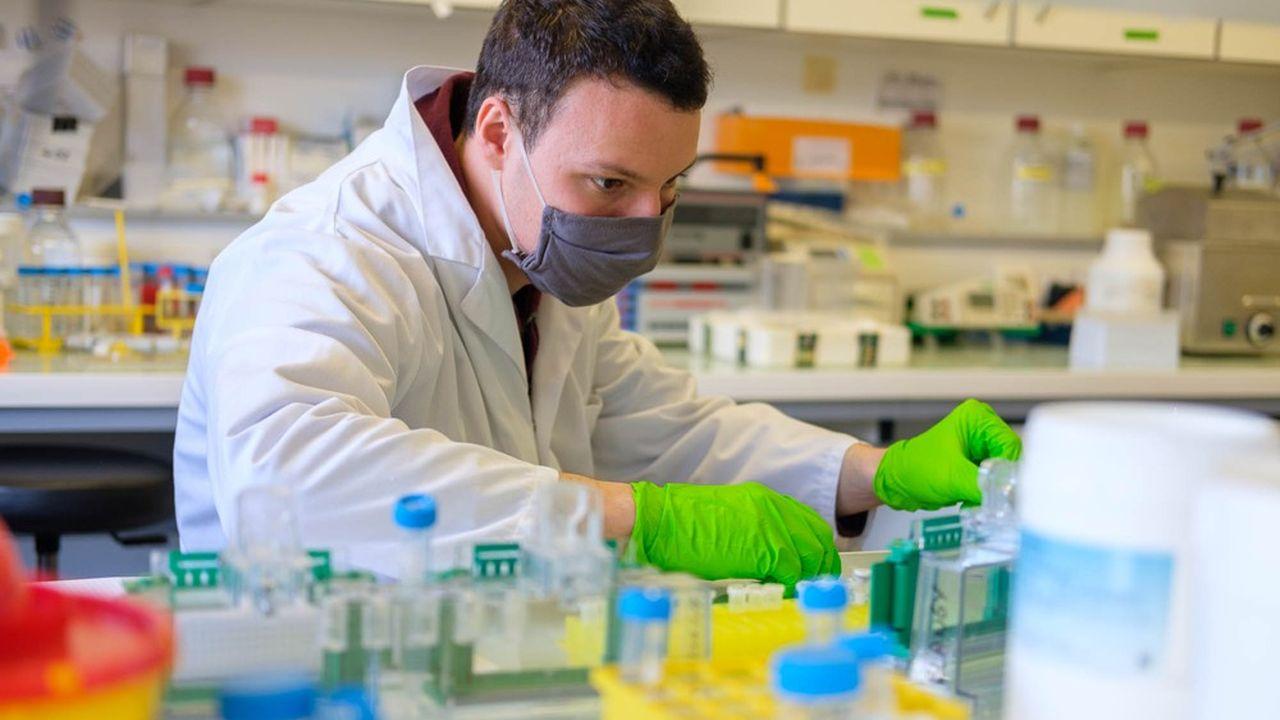 La recherche contre le cancer souffre d'un manque de moyens.