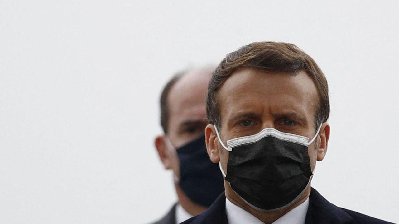 Emmanuel Macron et Jean Castex, les deux têtes de l'exécutif, ne parviennent pas à convaincre quant à la gestion de la crise sanitaire.