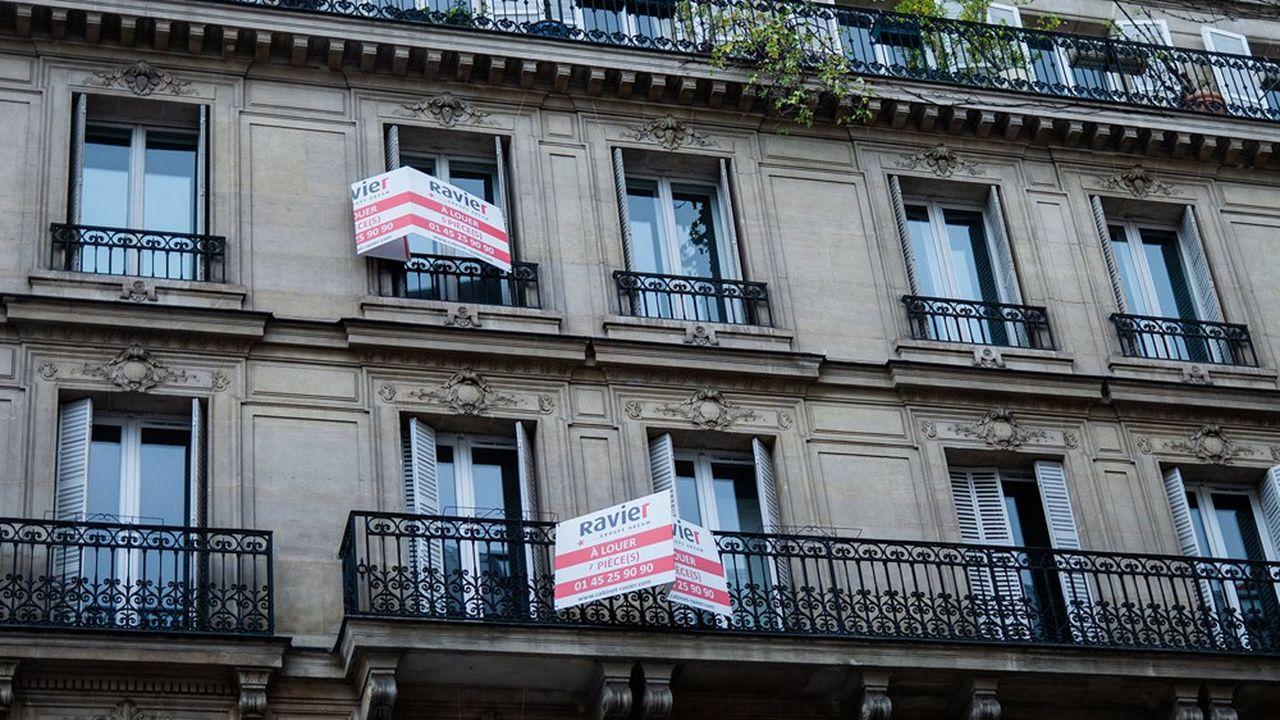 Les revenus tirés de la location de biens immobiliers nus sont imposables dans la catégorie des revenus fonciers.
