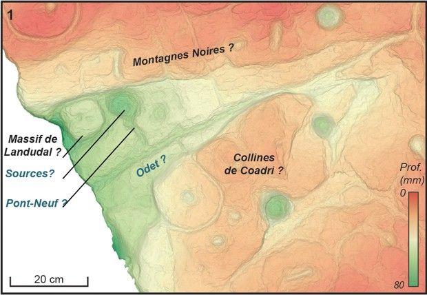 Comparaison entre la dalle gravée de Saint-Bélec et la topographie du secteur des montagnes Noires niveau du creusement triangulaire (partie centrale gauche de la dalle).