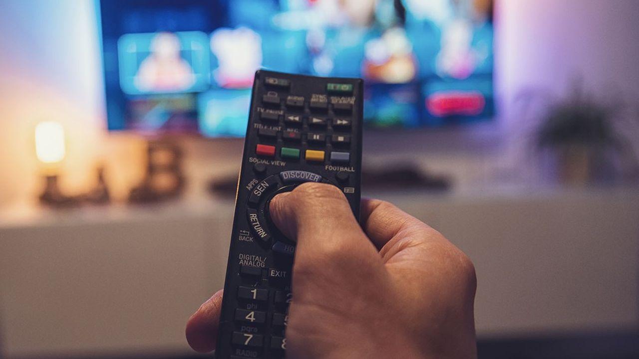 La durée d'écoute de la télévision a progressé dans de nombreux pays, en dépit de la montée en puissance de la vidéo à la demande par abonnement.
