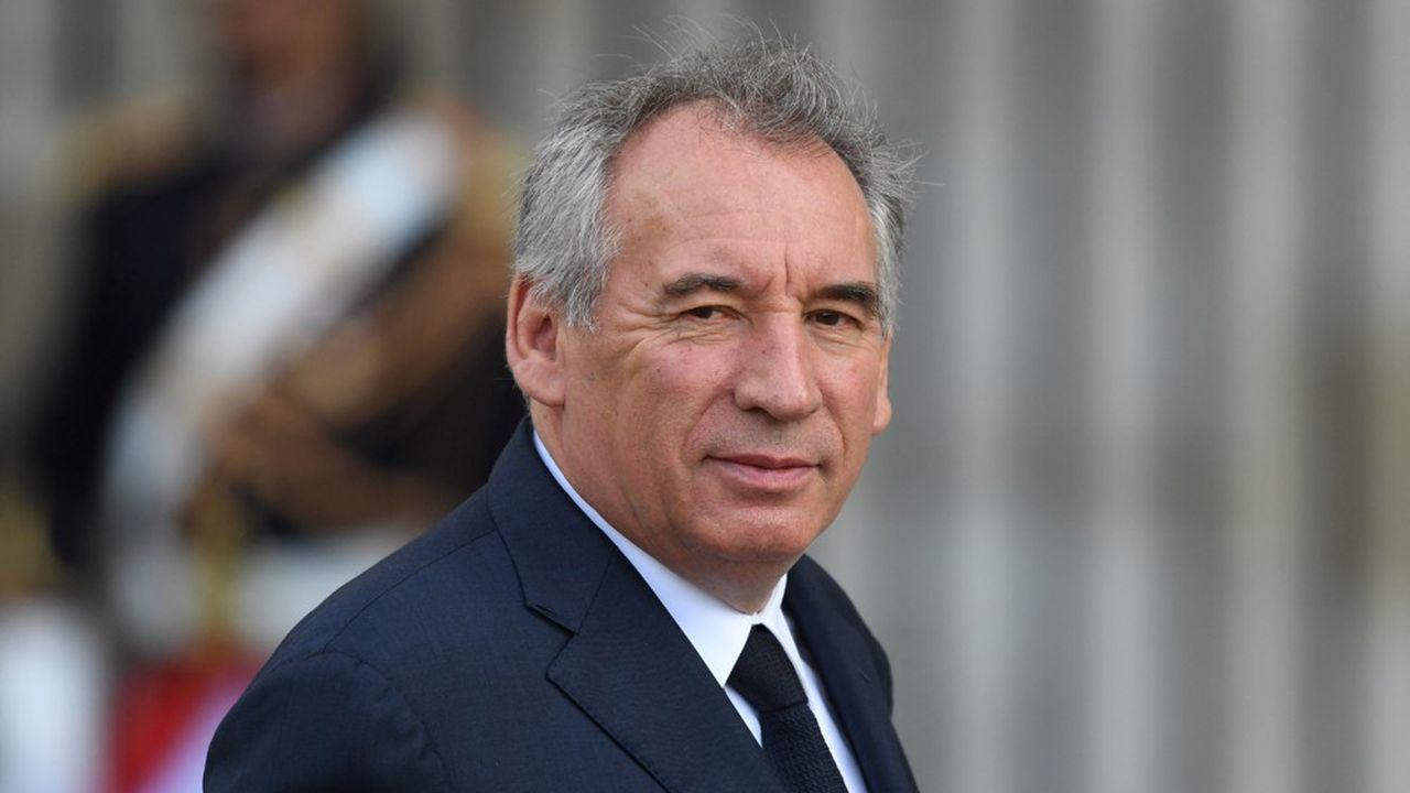 Les députés du Modem, parti présidé par François Bayrou, voteront contre le maintien des élections départementales et régionales en juin.
