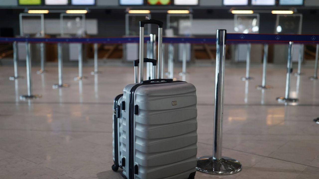 A leur arrivée à l'aéroport de Roissy, les tests antigéniques étaient devenus systématiques pour les voyageurs venus du Brésil, selon le ministère de l'Intérieur