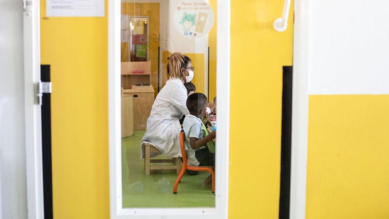 «A ce jour, les crèches, quel que soit le mode de gestion, observent une baisse de leur activité de 10, voire de 20% si elles ont un partenariat avec des entreprises», indique Marie-Sophie Saoudi, directrice du cabinet de conseil Horizon Crèche.