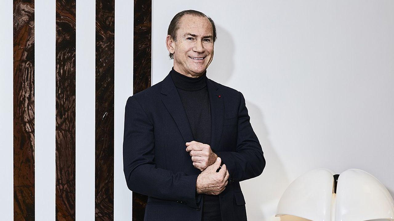 Fabrice Larue, homme d'affaires, entre autres producteur de « Plus belle la vie » et de la série « Versailles », dans son bureau à Paris en janvier 2021.