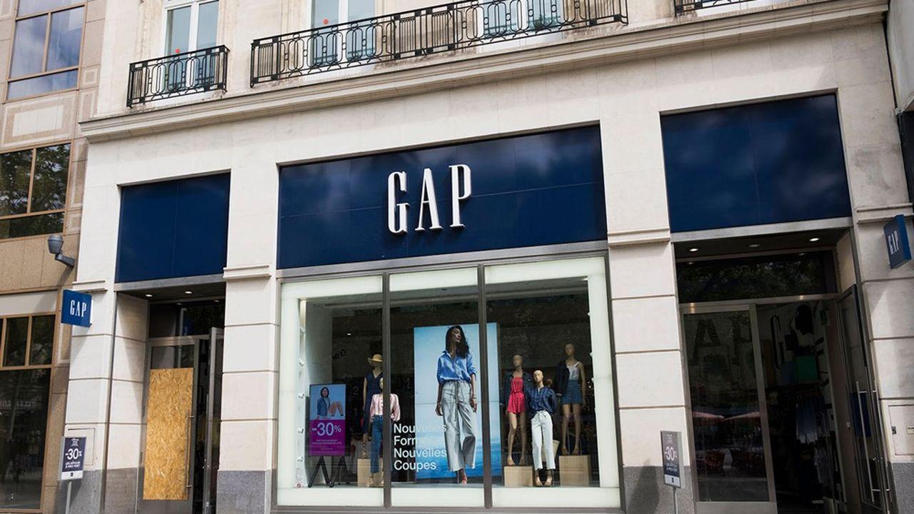 Quand Gap fait près de 50% de son chiffre d'affaires aux Etats-Unis sur Internet, en France l'enseigne (ici sur les Champs-Elysées) n'a pas de site marchand.