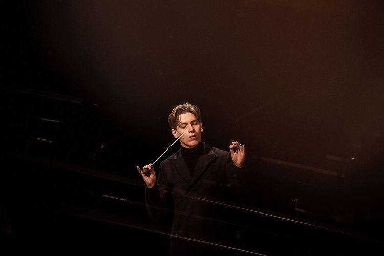 Le chef d'orchestre par Klaus Makela.