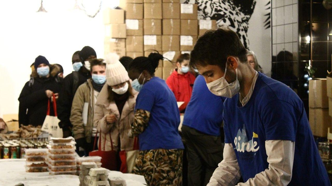 La plupart des bénévoles de Linkee sont des étudiants, qui parfois bénéficient eux-mêmes de l'aide alimentaire.