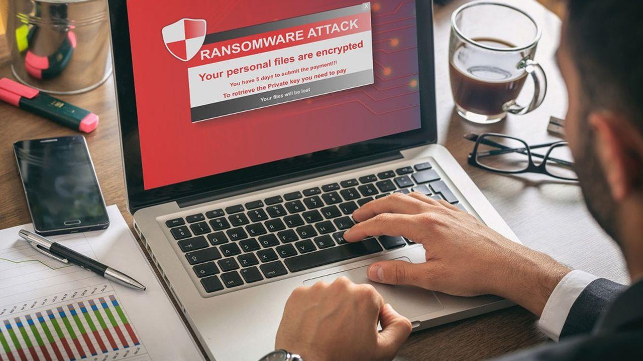Un rançongiciel rend illisibles les données d'un ordinateur et exige le paiement d'une rançon en cryptomonnaie contre leur restitution.