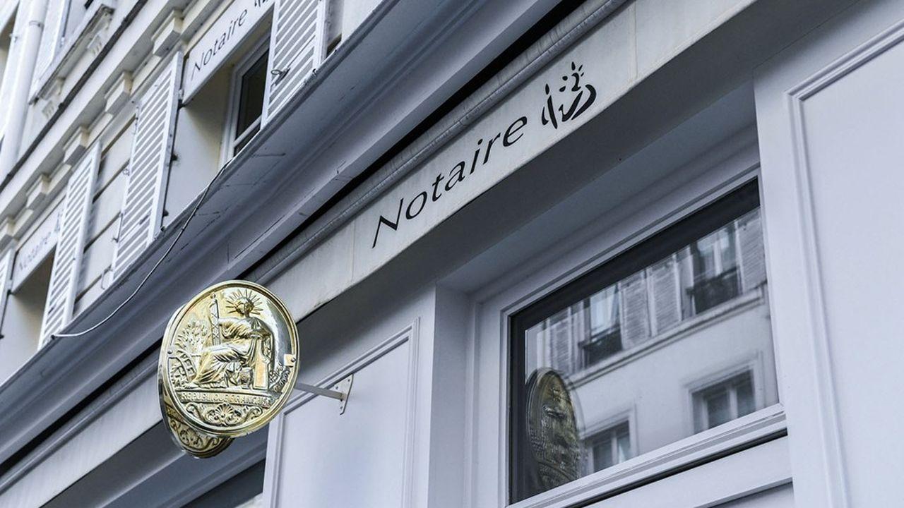 Les notaires revendiquent un rôle de conseil, mais les Français perçoivent la profession comme étant principalement dédiée à la rédaction d'actes.