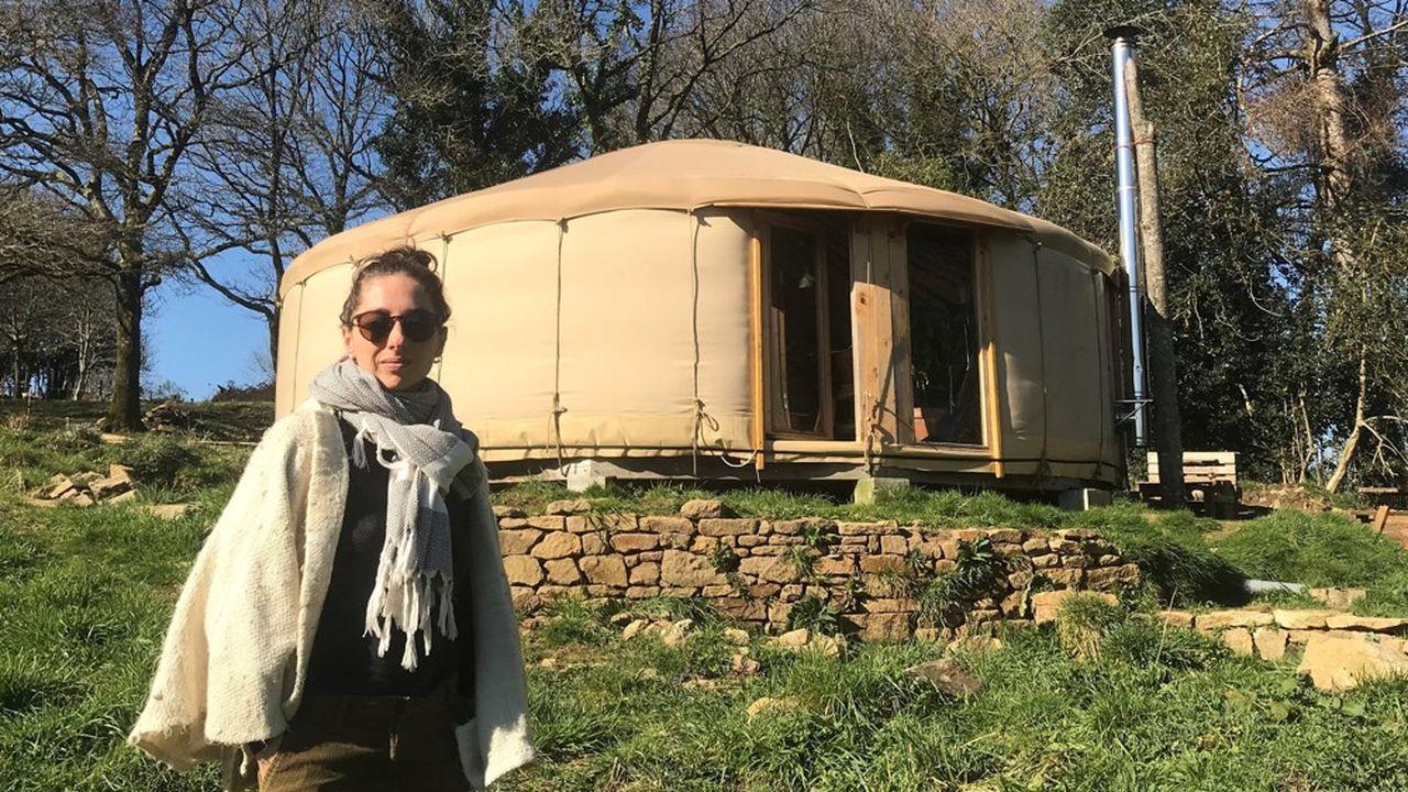 Morgane, 29 ans, vit dans une yourte depuis 2019 avec ses trois enfants.