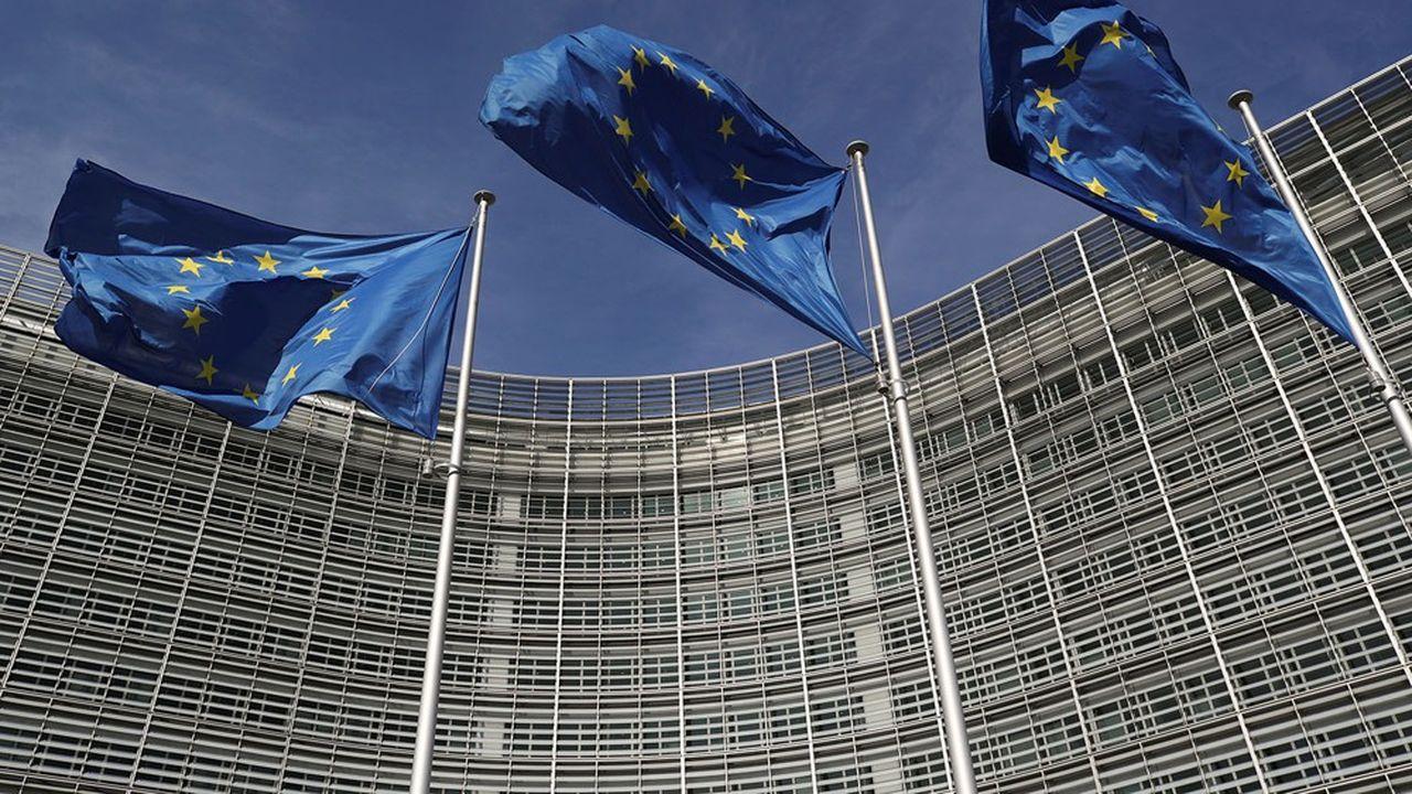 L'objectif faisait l'objet d'âpres négociations entre les dirigeants des Vingt-Sept, qui s'étaient entendus sur une réduction de 55%, et le Parlement européen, qui réclamait une baisse d'au moins 60%.