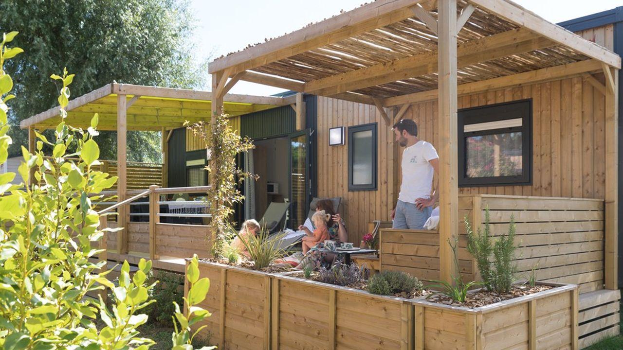 Sur l'île de Ré, le camping L'Océan propose une offre à 900euros le mois.