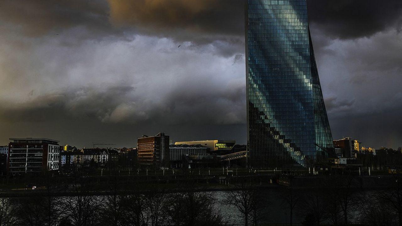 Certains de ses membres souhaiteraient que la BCE réduise rapidement ses interventions.
