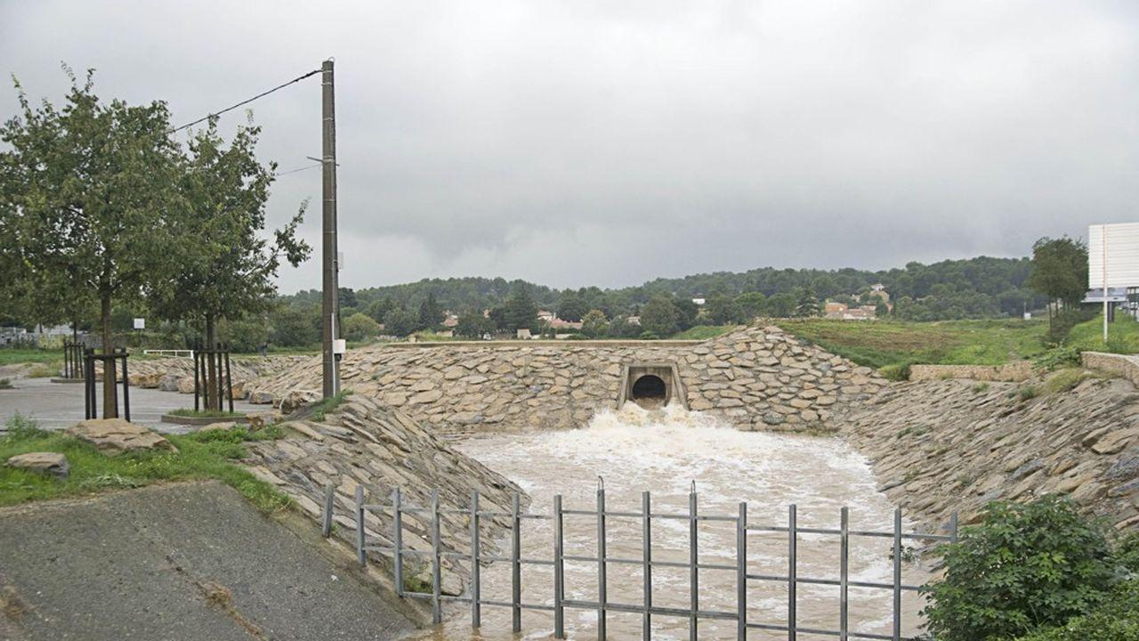 Le 10 octobre 2014, des orages violents et de fortes pluies ont provoqué des inondations à Nîmes et dans le nord du département.