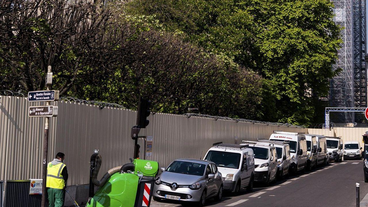 Respect des 35 heures : la mairie de Paris réclame un délai pour négocier