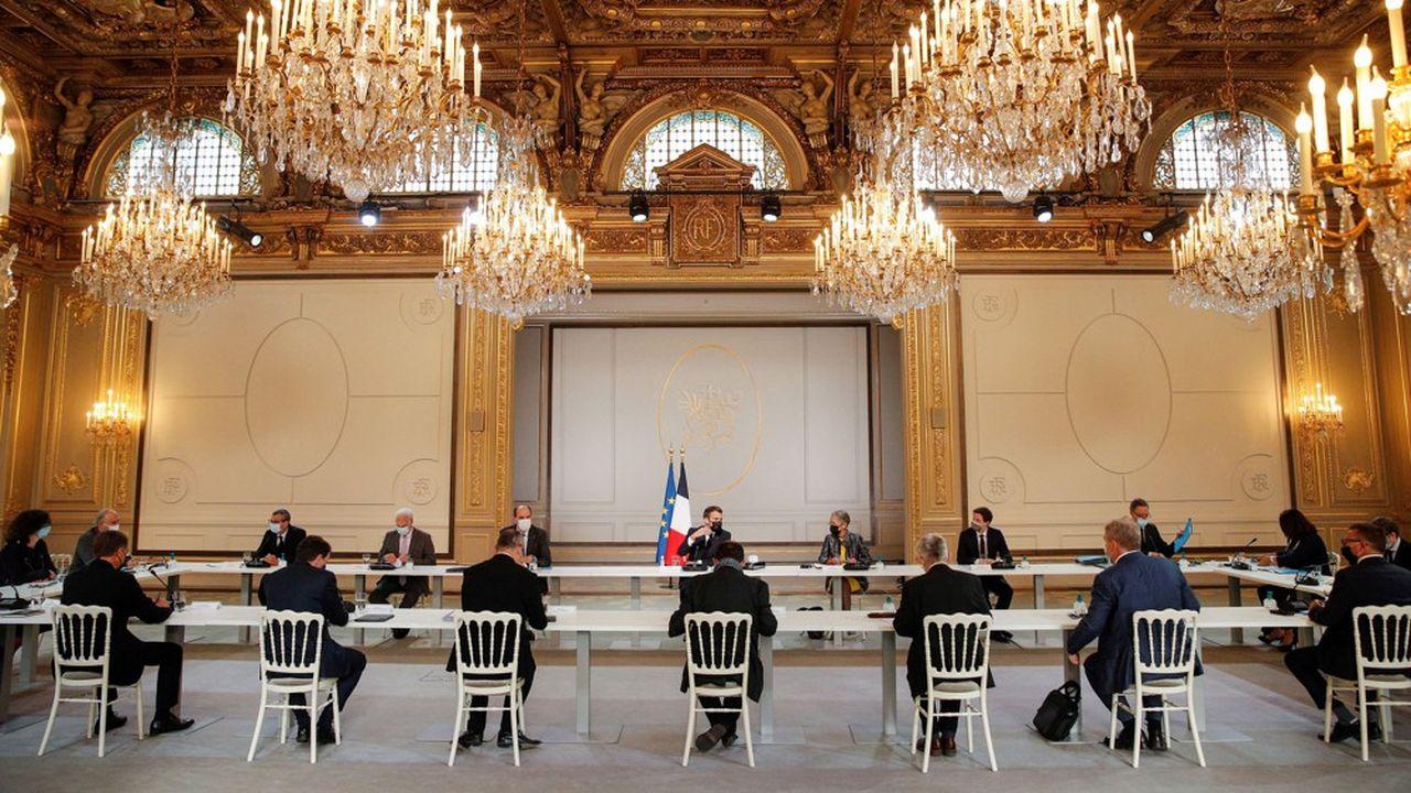 La réunion entre Emmanuel Macron et les leaders patronaux et syndicaux, ce jeudi 29avril 2021, à l'Elysée.