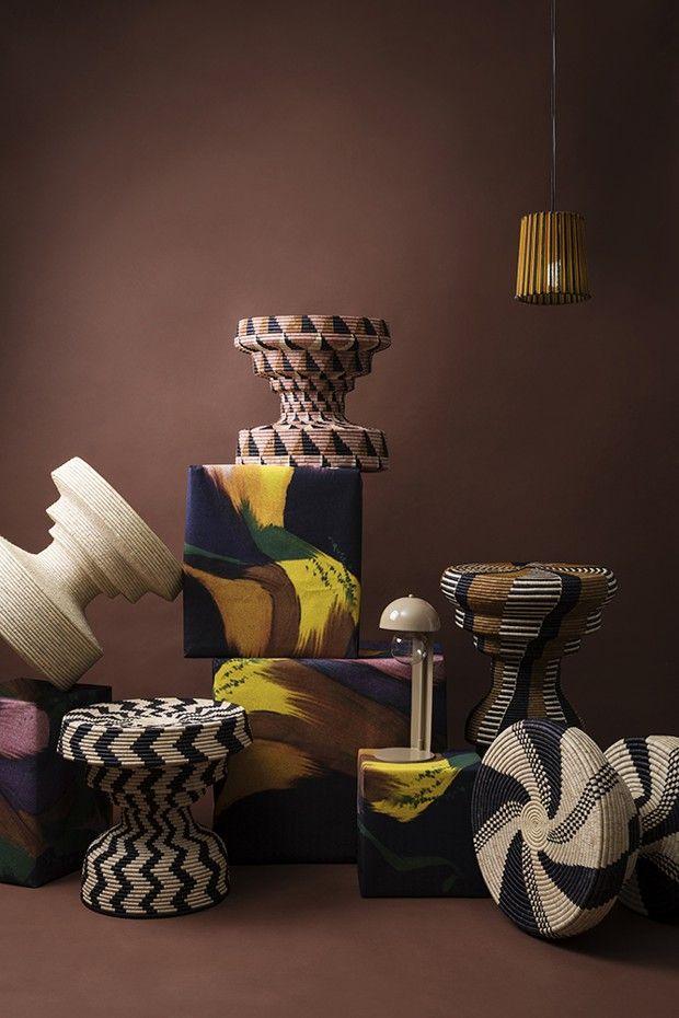 Réalisations du studio Mash T Design, de Thabisa Mjo, en association avec Beauty Ngxongo, maîtresse tisserande : tables en palmier ilala, fibre utilisée traditionnellement pour les paniers zoulous.