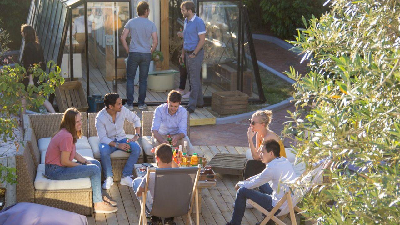Certaines start-up comme la Casa Coliving proposent des maisons à thème, comme celle-ci avec une serre pour les férus de jardinage.