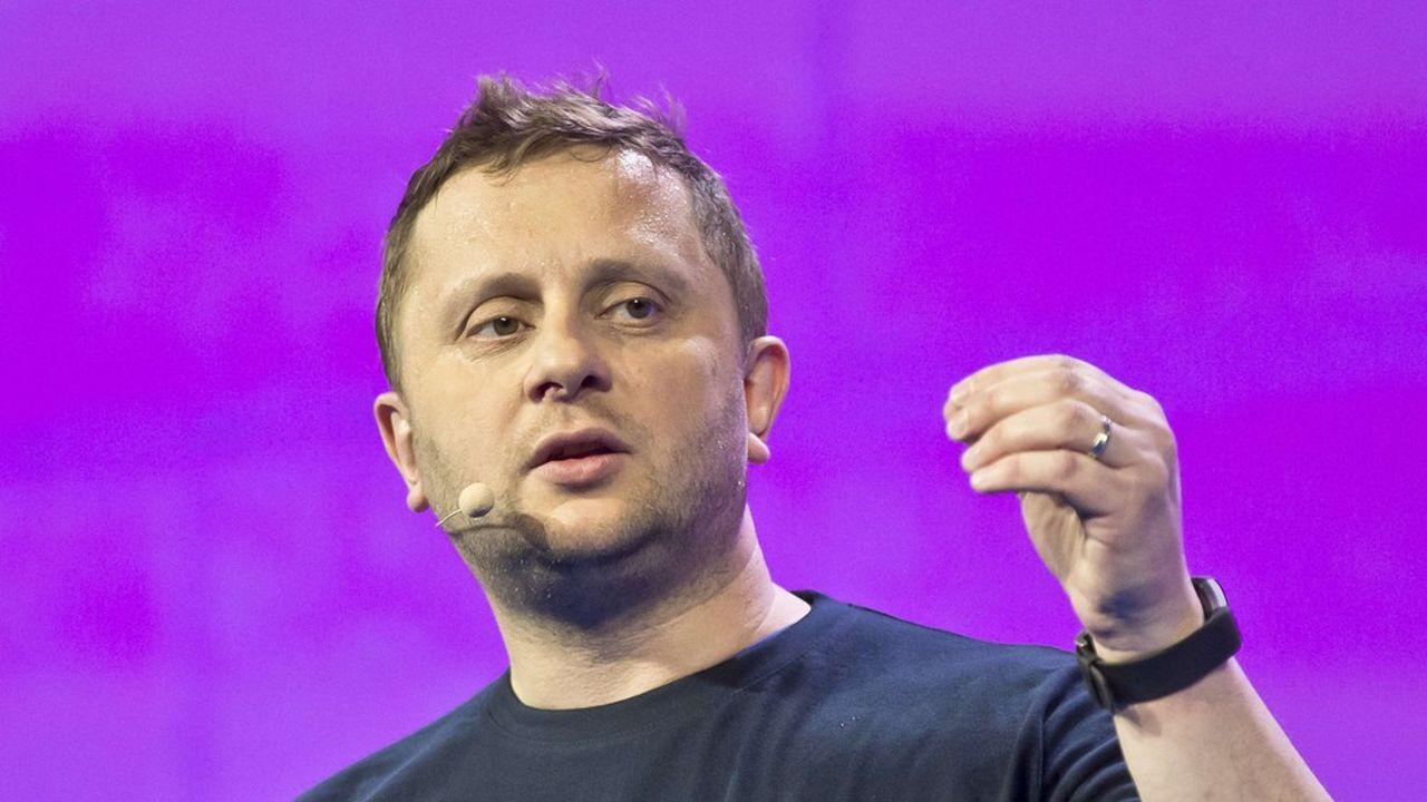 Blade a développé le service Shadow, une solution logicielle permettant d'accéder à un ordinateur haut de gamme matérialisé via le cloud et un abonnement mensuel.