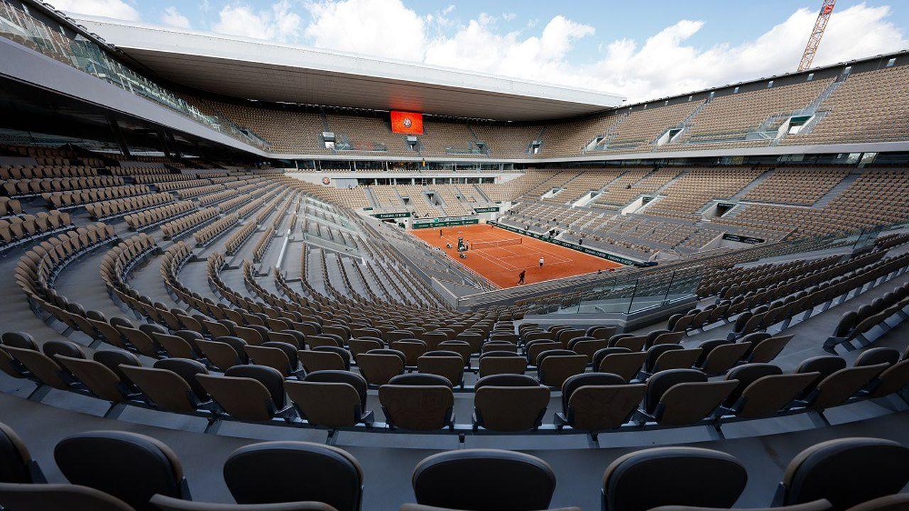 Le court central Philippe Chatrier avait des ambiances fantomatiques lors de l'édition 2020 de septembre dernier.