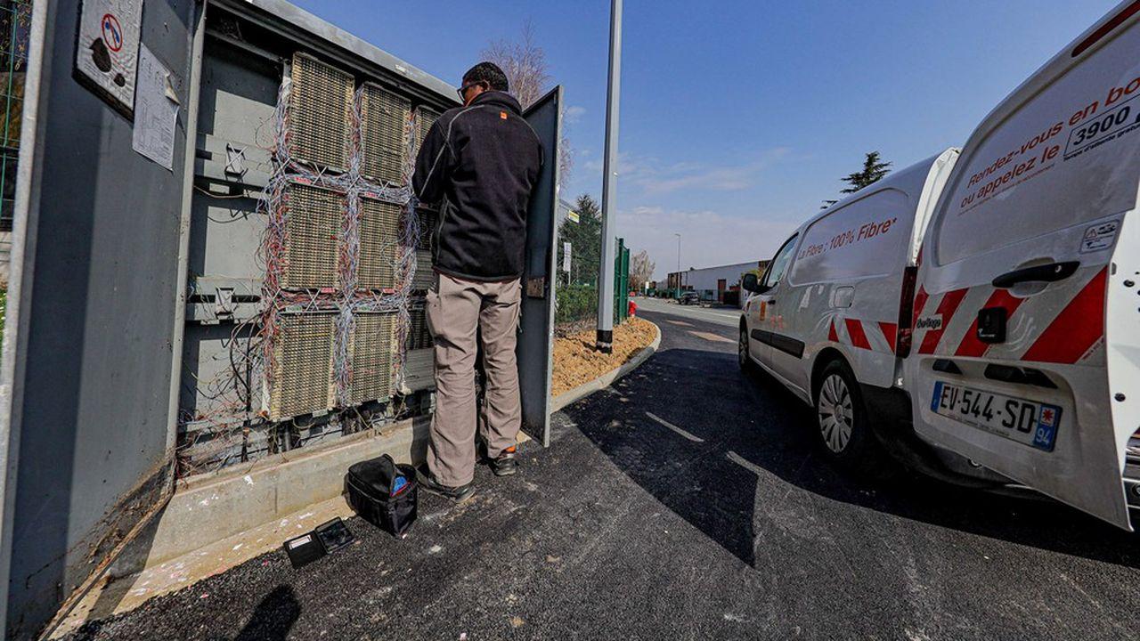 La fibre remplace progressivement le cuivre comme infrastructure principale de télécommunication fixe en France.
