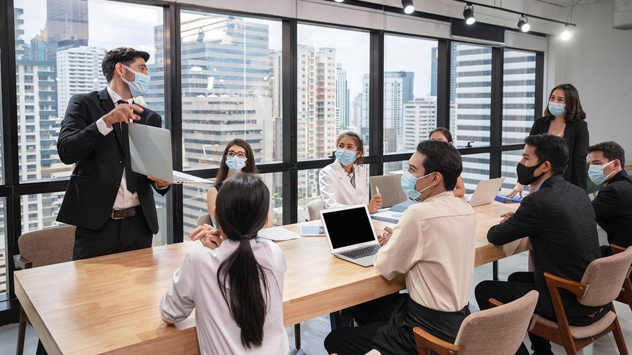 «Le travail collectif n'est pas seulement fait d'échanges de points de vue. Les réunions, aussi longues soient-elles, ne sont le plus souvent que des mises en scène ritualisées de la décision.»