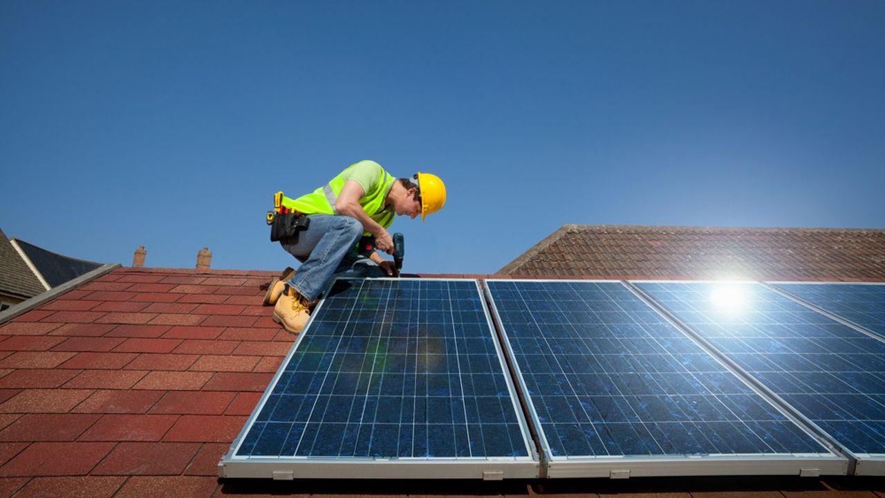 En s'appuyant sur l'expertise de Paris Sud Soleil, Fresnes aimerait installer des panneaux solaires sur le toit d'une école.
