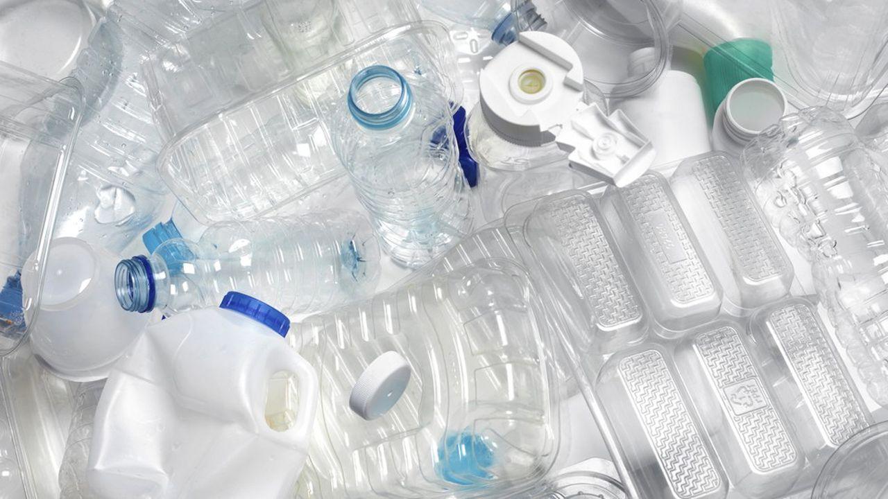 Fin 2025, le tonnage annuel d'emballages plastique mis sur le marché devra être inférieur de 20% à celui de 2018. Cela concerne aussi le plastique biosourcé ou biodégradable et la moitié au moins de cette baisse de 20% devra provenir du réemploi et de la réutilisation des emballages