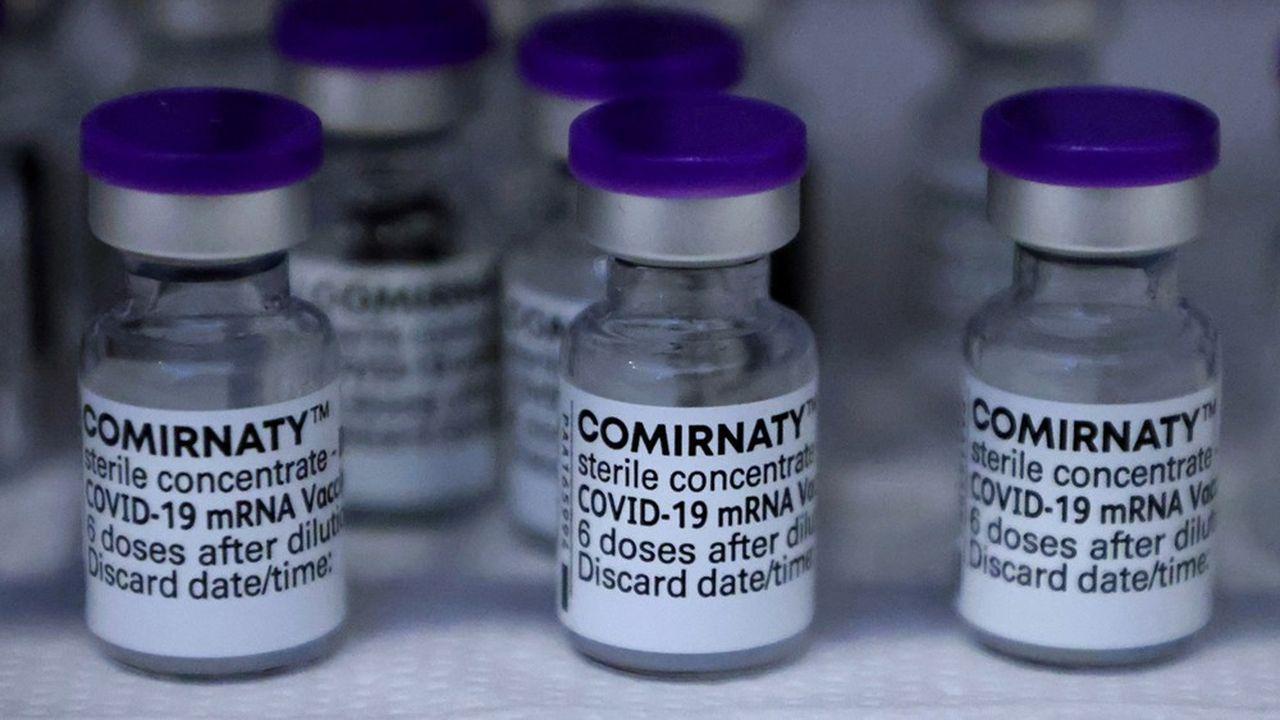 Pfizer s'attend à être en capacité de fabriquer 3milliards de doses de son vaccin contre le Covid-19 en 2022, contre 2,5milliards en 2021.