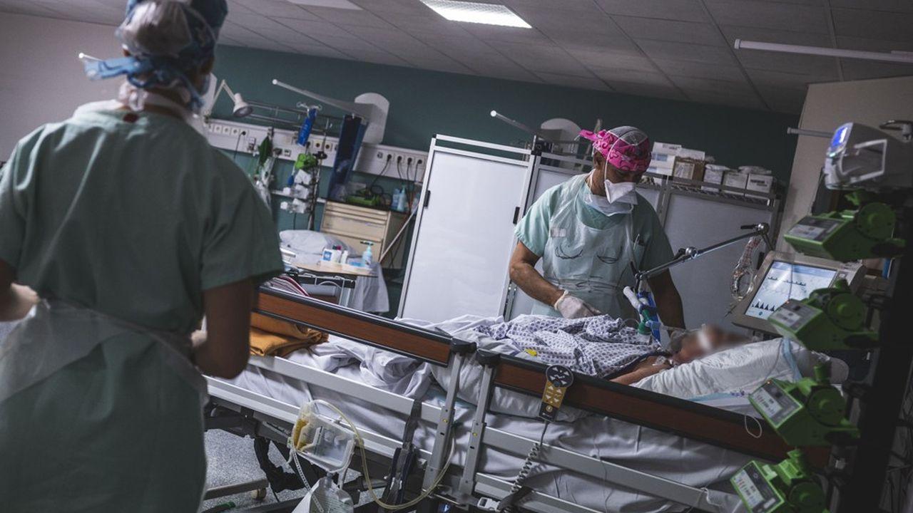 Les hôpitaux ont enregistré 243 nouveaux décès dus au Covid-19 au cours des dernières 24heures.