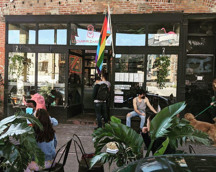 La boulangerie du Frenchy reconverti s'engage en faveur des droits LGBT.