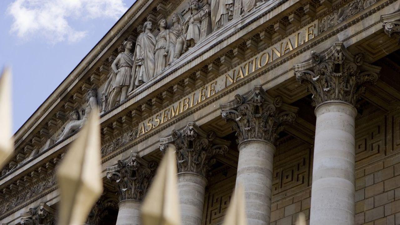La proposition de loi sur la parité a été adoptée par la commission des affaires sociales de l'Assemblée ce mercredi
