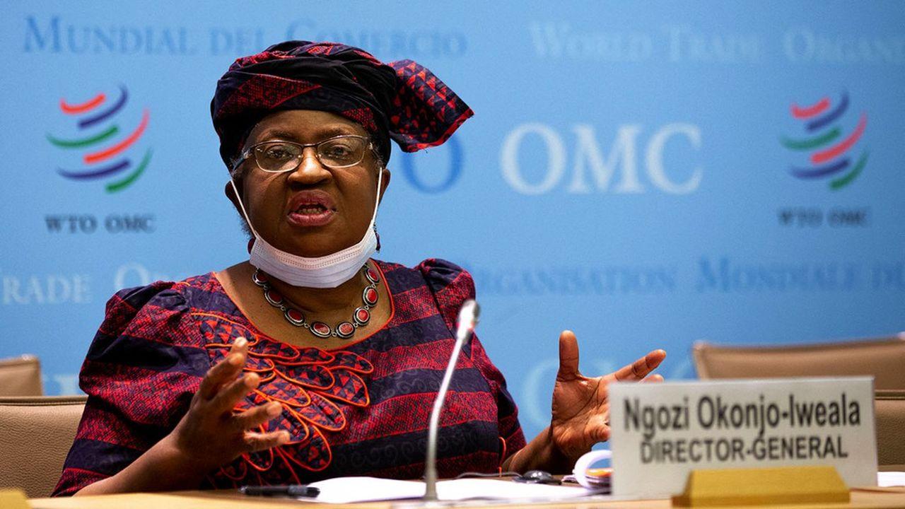 Pour son premier conseil général, la directrice générale de l'Organisation mondiale du commerce, Ngozi Okonjo-Iweala, a appelé à une augmentation de la production des vaccins anti-Covid.