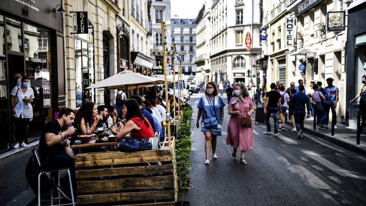 Selon l'Insee, l'économie française peut rebondir au second semestre à condition que la situation sanitaire reste maîtrisée.