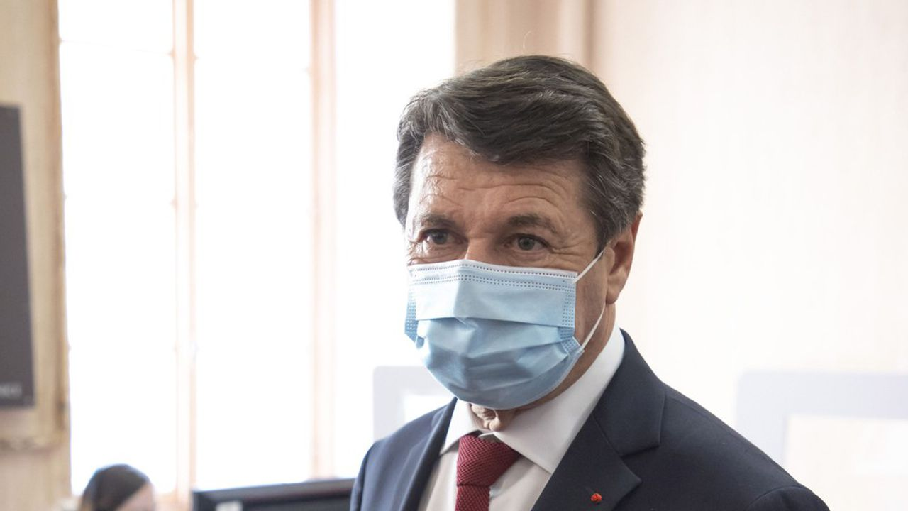 Après le psychodrame autour des régionales en Paca, le maire de Nice, Christian Estrosi, a annoncé qu'il quittait à son tour Les Républicains.