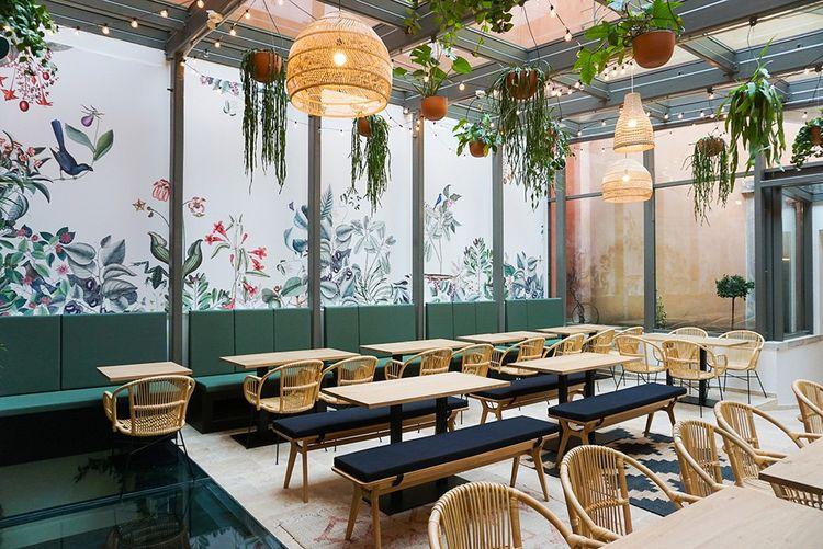 L'un des sept espaces scénographiés du Food Traboule, dans la célèbre Tour Rose.