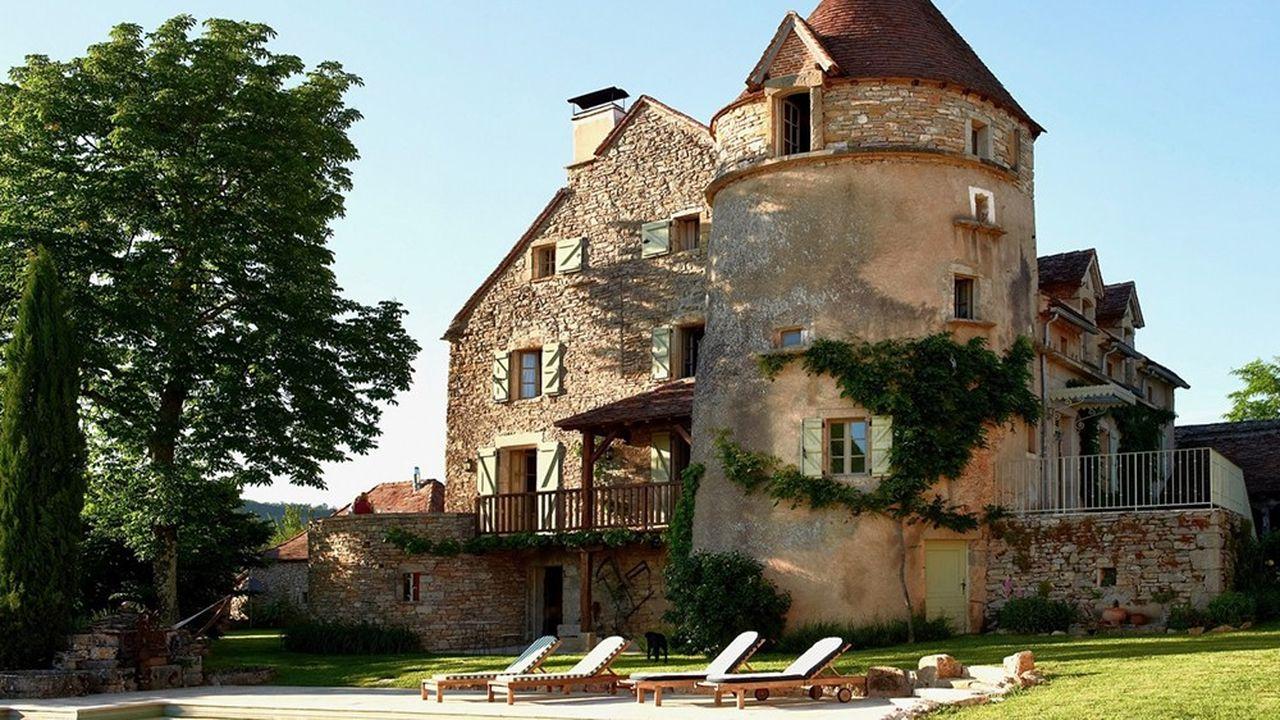 Pour cette propriété du XVe siècle, comptez moins de 1,3 million d'euros.