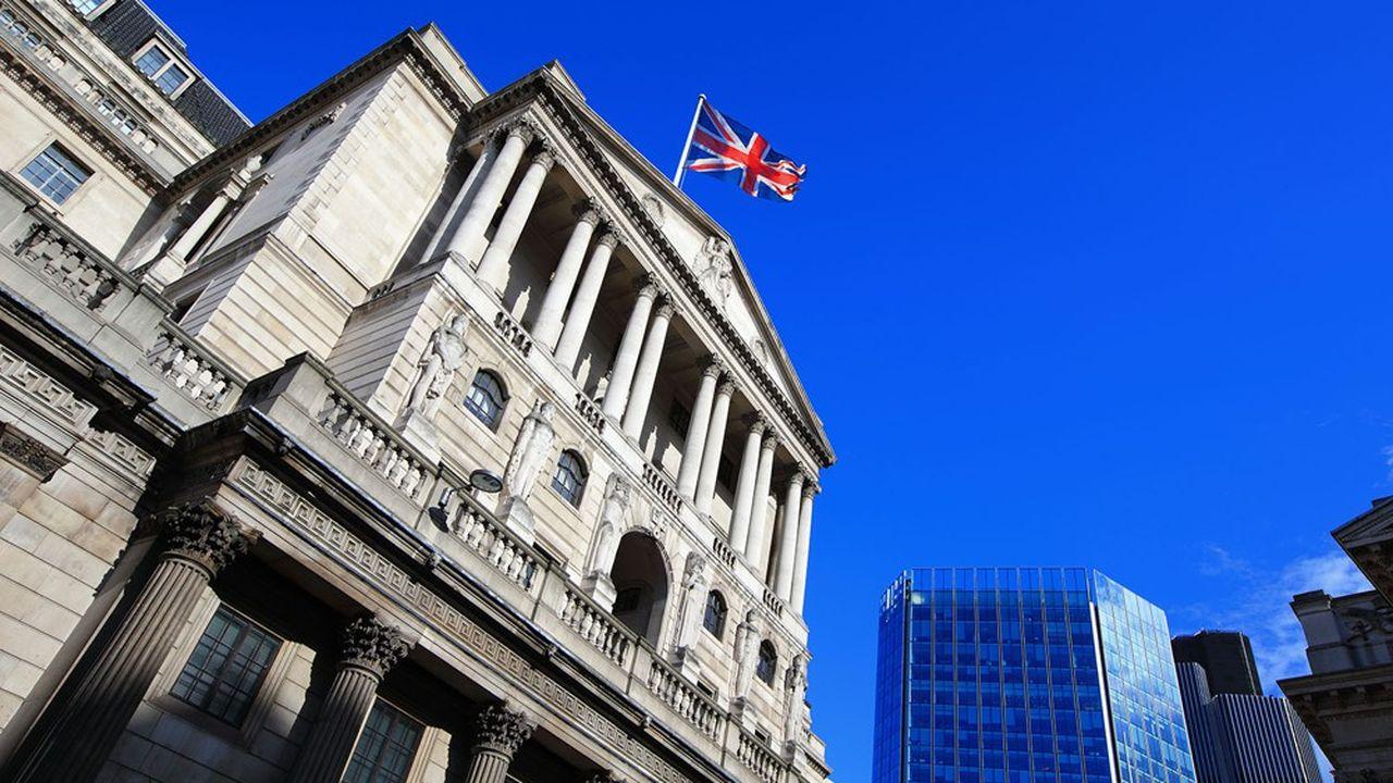 La Banca d'Inghilterra ha appena annunciato giovedì che ridurrà di un quarto l'ammontare dei suoi acquisti di asset.