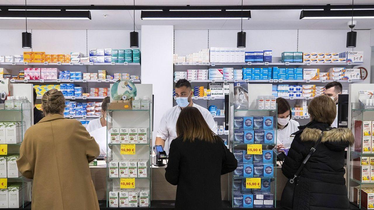 Les officines dépistent et vaccinent contre le Covid-19, mais en l'absence d'autres épidémies, les ventes ne sont pas au rendez-vous pour la saison grippale.