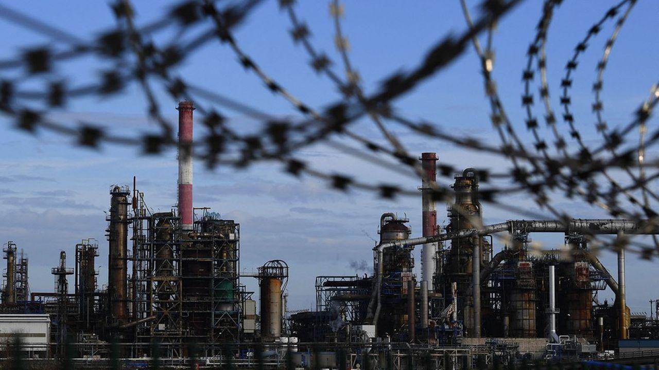 Les émissions de gaz à effet de serre des grands pétroliers pèsent sur leur attractivité enBourse.