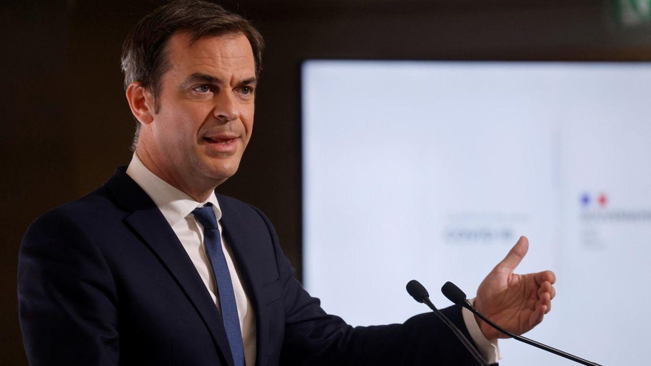 Le ministre de la Santé, Olivier Véran, a convenu que l'élargissement de la vaccination par AstraZeneca aux moins de 55 ans n'aurait «probablement» pas lieu.