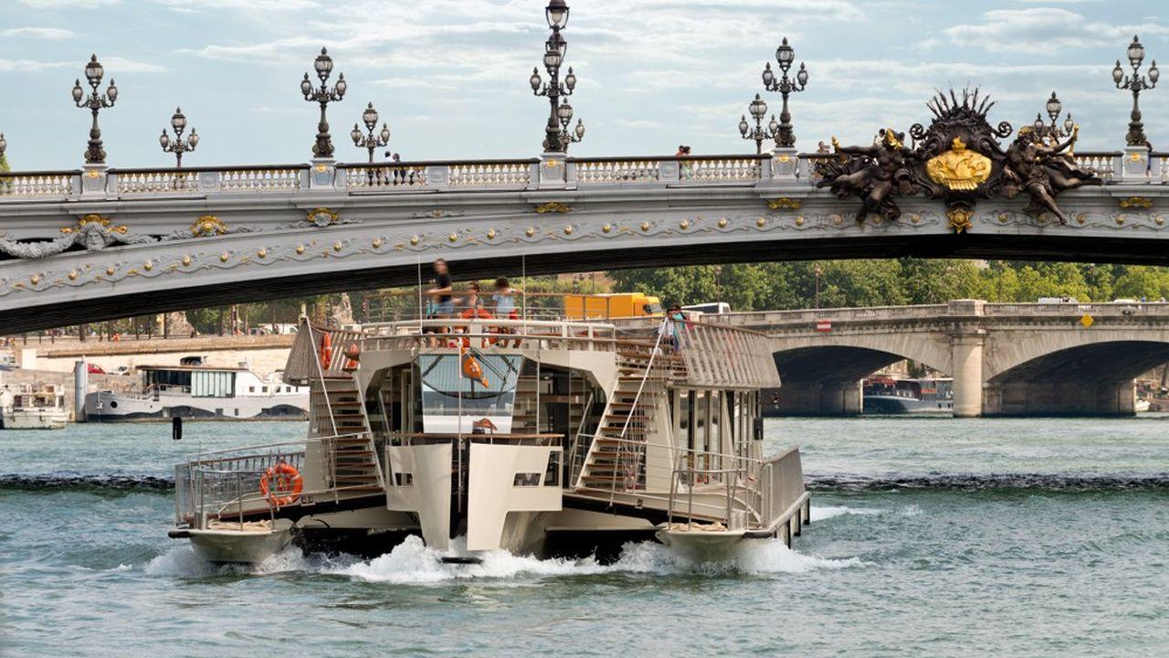Les Bateaux Parisiens ont lancé une opération pour attirer les touristes franciliens.