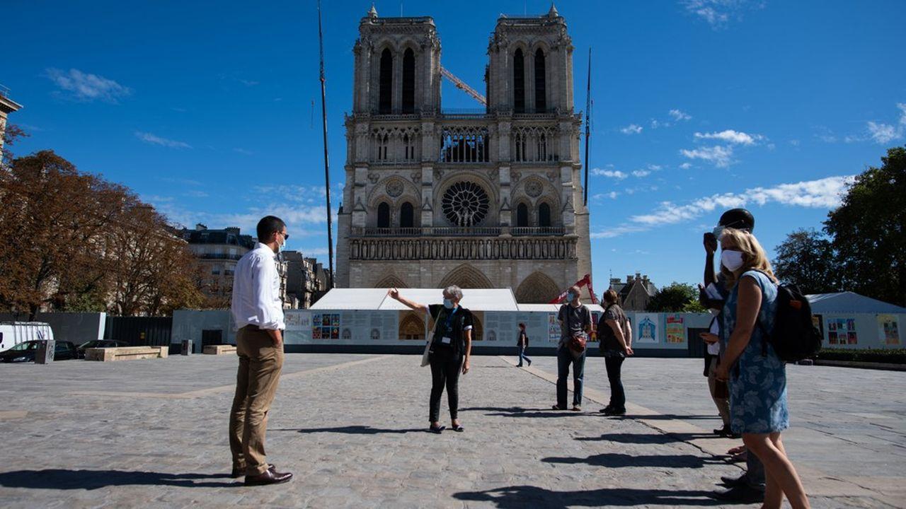 Afin de soutenir le secteur, l'Office du tourisme et des congrès de Paris lance le festival «Laissez-vous guider!» qui se tiendra du 15juillet au 15août.